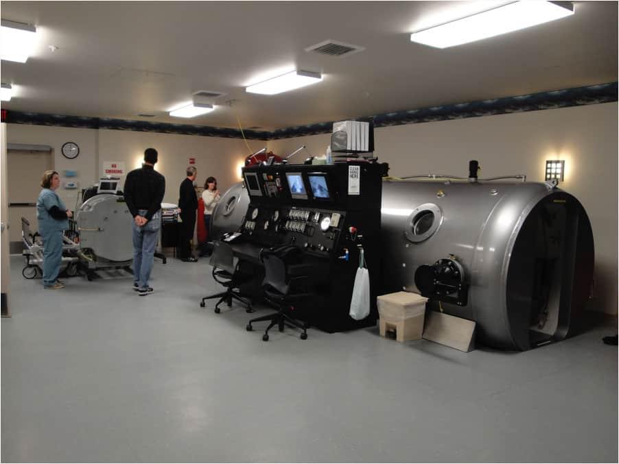 Model 7200 DL Hyperbaric Chamber by Tekna, MFG