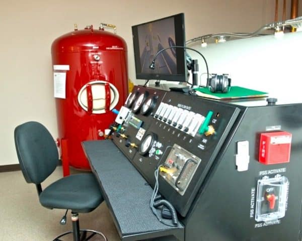 Multiple Hyperbaric Chamber Model 7200 SL Console